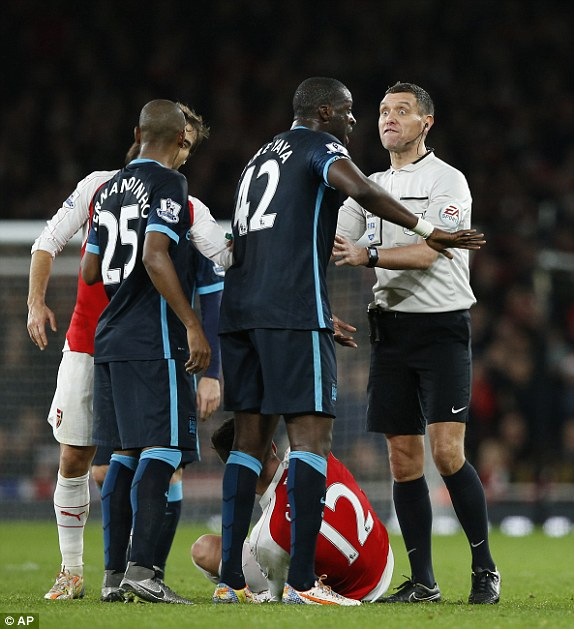 1450732330103_lc_galleryImage_Referee_Andre_Marriner_sp