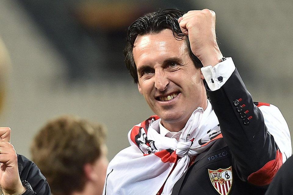 مدرب إشبيليه أوناي إيمري يتوج بلقب أفضل مدرب في الليجا موسم 2014/2015