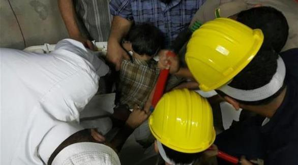 طفل سعودي يُحتجز في غسالة الملابس وفرقة الإنقاذ تقوم بتحريره