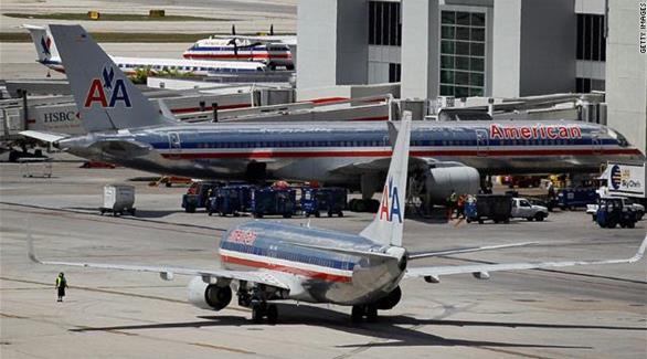 وفاة قائد طائرة أمريكية تحمل 152 راكباً أثناء تحليقه في الجو