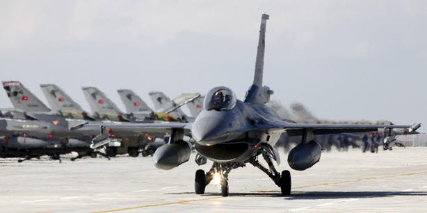 """تركيا تستعد لإقامة قاعدة عسكرية في قطر لمواجهة """"العدو المشترك"""""""