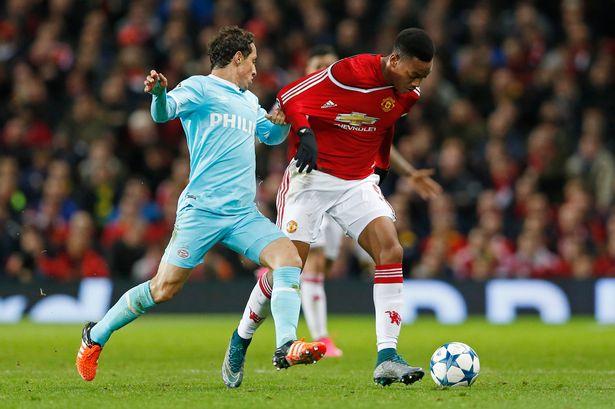مانشستر يونايتد مهدد بالخروج من دوري أبطال أوروبا بعد تعادله مع أندهوفن