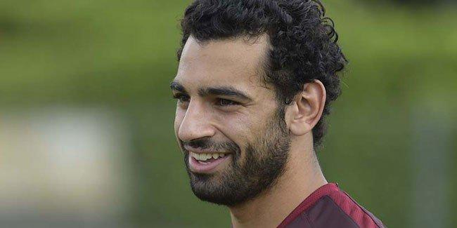 روما الإيطالي يعلن رسمياً عن شراء عقد المصري محمد صلاح