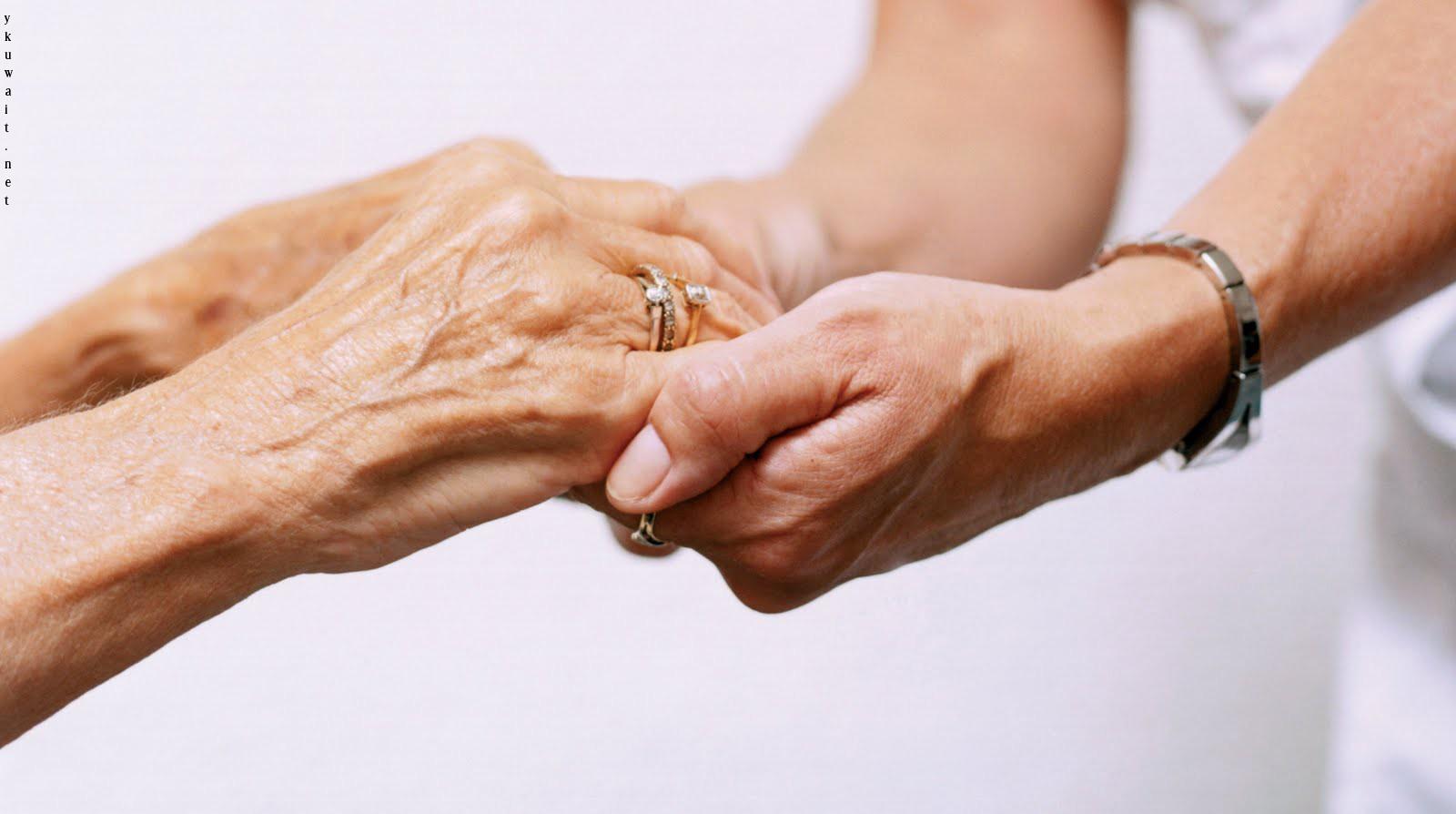 مساعدة الآخرين يخفف من حدة آثار الإجهاد اليومي علينا