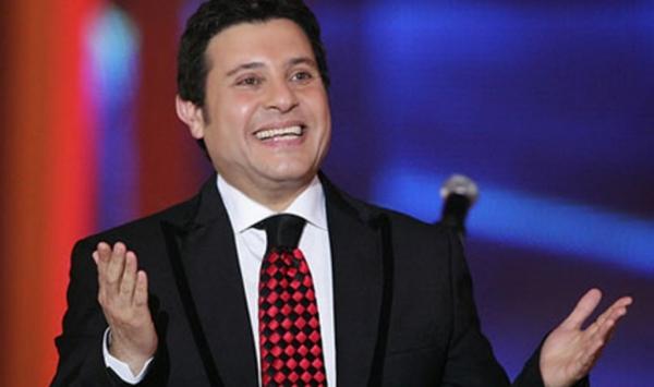 """المطرب هاني شاكر يطرح أغنية """"وأنت ماشي فى مصر"""""""