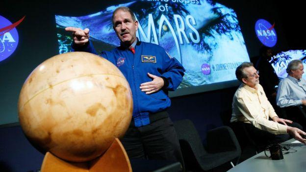 وكالة ناسا تعلن رسمياً عن وجود المياه في كوكب المريخ