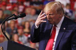 """ترامب يصف نفسه  في اقتباس من التوراة بـ """"المختار"""" لخوض الحرب التجارية مع الصين"""