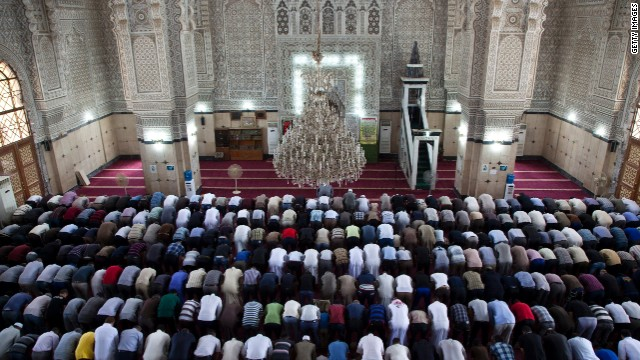 فرنسا تٌجبر الأئمة في أراضيها الحصول على دبلوم في العلمانية