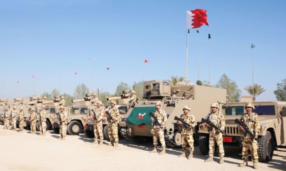 الجيش البحريني يدفع بوحده عسكرية إلى عدن