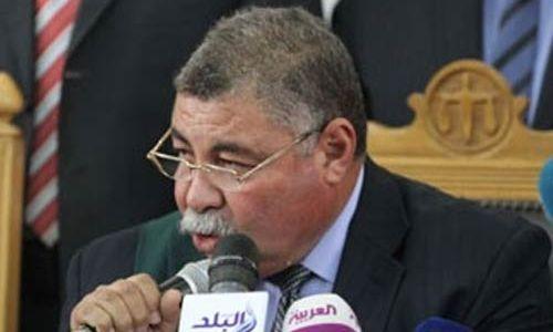 قاضي مصري يؤجل محاكمة 739 لأن قفص قاعة المحكمة صغير جدا