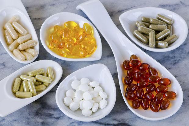 أضرار المكملات الغذائية وأعراضها الجانبية على الجسم