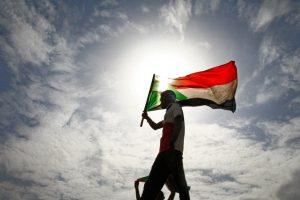 احتفالات رسمية وشعبية في السودان تزامنا مع التوقيع على وثيقة الإعلان الدستوري