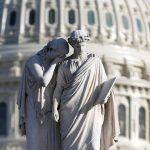 الكونجرس الأمريكي يكشف عن الآثار السلبية المترتبة على رسوم ترامب الجمركية