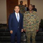 وزير الخارجية التركي يعقد جلسة مباحثات مغلقة مع رئيس المجلس العسكري السوداني