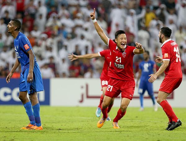 الأهلي الإماراتي يطيح بالهلال ويتأهل لنهائي الأبطال للمره الأولى