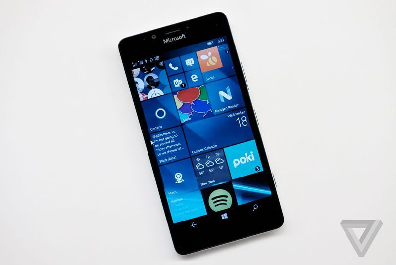 مايكروسوفت تؤخر ترقية Windows 10 موبايل الى 2016