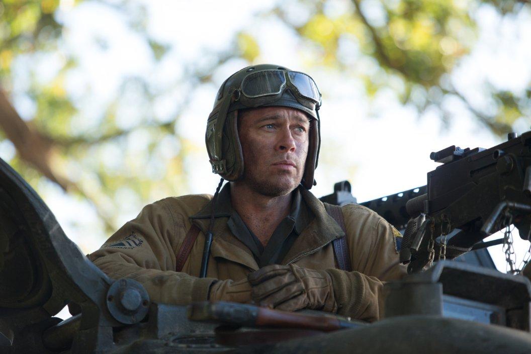 براد بيت في أبوظبي لتصوير فيلم عن الجيش الأمريكي