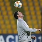 فيتوريا يرفض خوض الفريق لمباريات ودية قبل مواجهة الهلال
