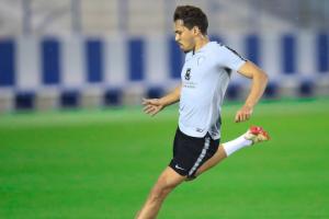 كارلوس إدواردو يشارك في تدريبات الهلال استعدادا لمواجه النصر