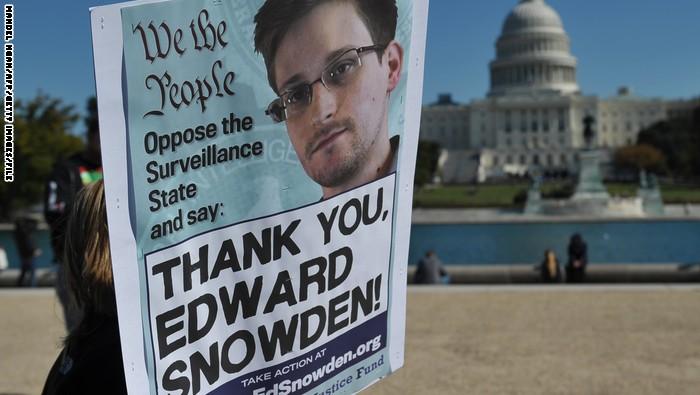 سنودن يكشف عن آلية أمريكا للتجسس على العالم من خلال الهواتف