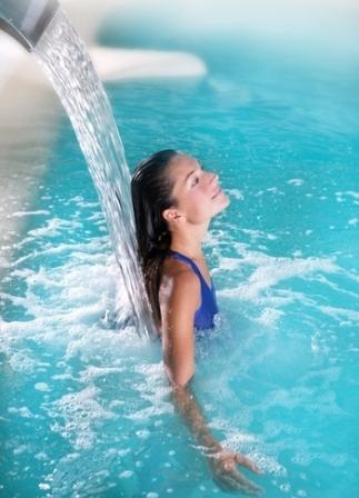 الوقاية من انتقال الأمراض في برك السباحة الجماعية