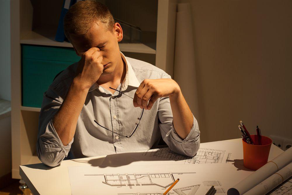 العمل لساعات طويلة يزيد من خطر الإصابة بسكتة دماغية